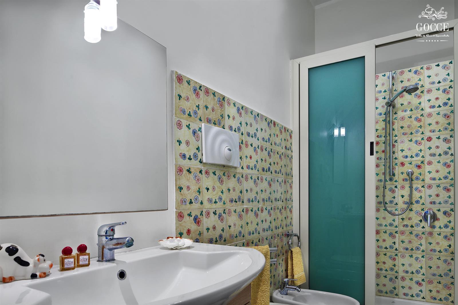 Punta del capo splendido appartamento a pochi passi dai bagni della regina giovanna sorrento - Bagno della regina giovanna ...